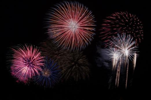 fireworks-879461_960_720.jpg